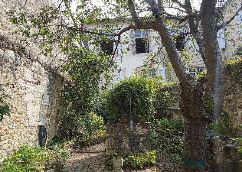 Maison de Ville & Jardin