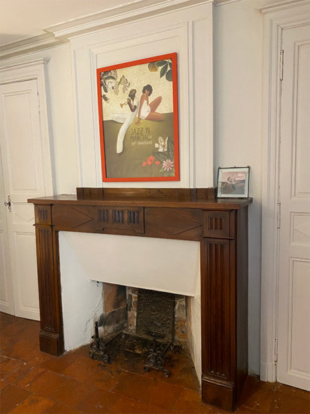 3 - fireplace in text at entrance to house