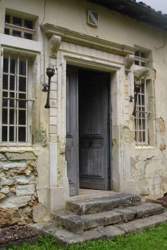 37 (5) entrée principale Sud château