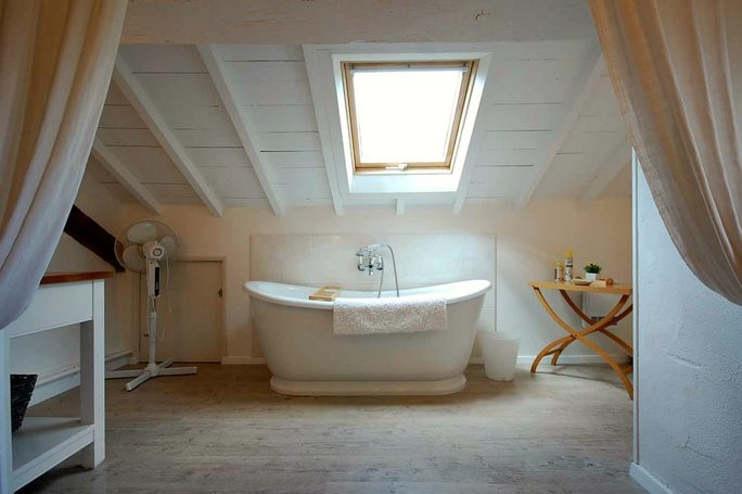 BB master bedroom bathroom
