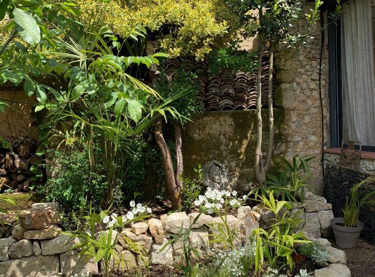 Maison au Cœur de Lectoure avec Intérieur Somptueux