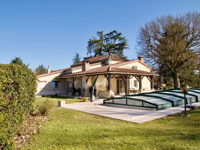 maison avec piscine à vendre Gers 315 000 euros