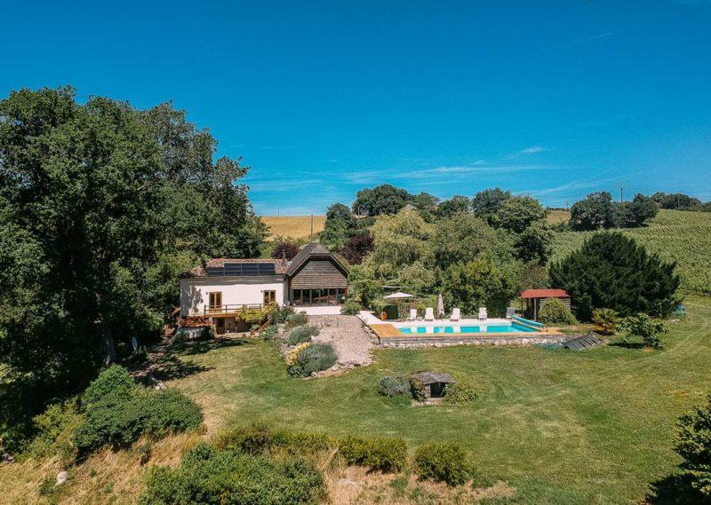 Maison écologique sur une colline avec vues panoramiques proche de Nérac